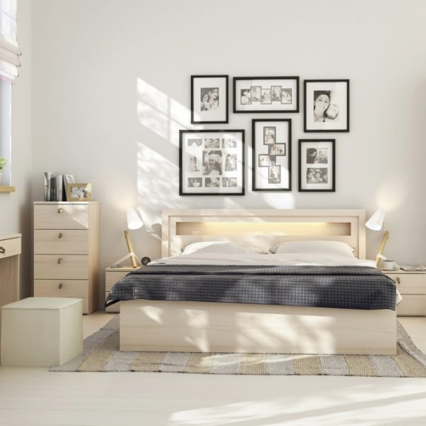 bright-sunny-bedroom