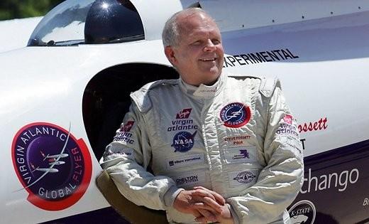 Картинки по запросу 2002 - Путешественник Стив Фоссет начал первое в мире одиночное беспосадочное кругосветное путешествие на воздушном шаре.