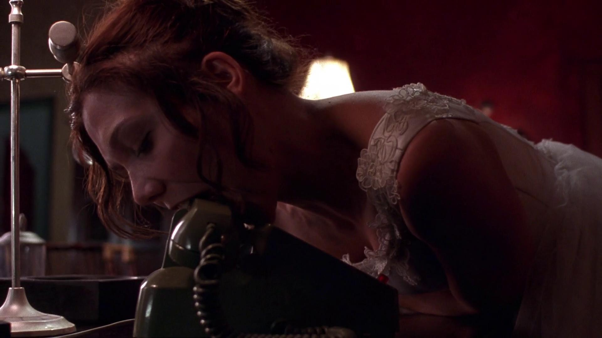 Смотреть эротический фильм секретарша, трахнул молодую подругу фото