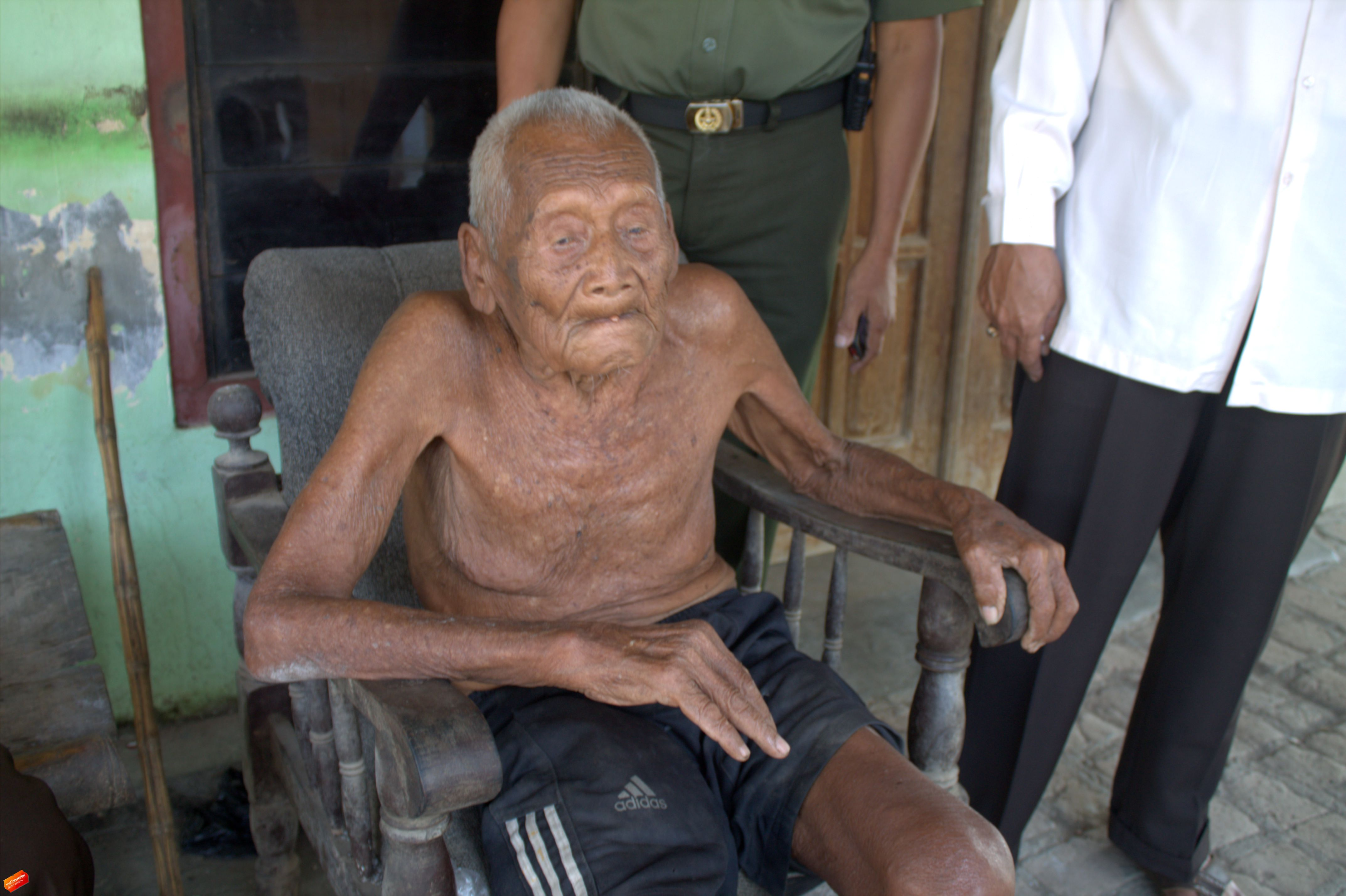 самый старый человек на земле фото при выборе