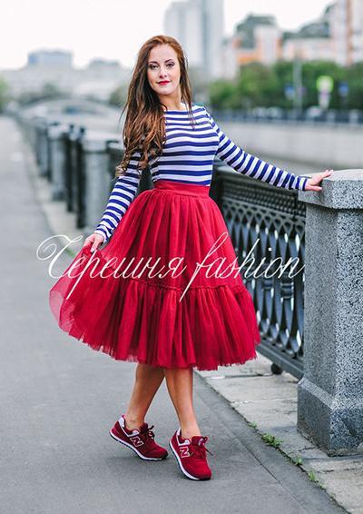 Что носить с красной юбкой пачкой