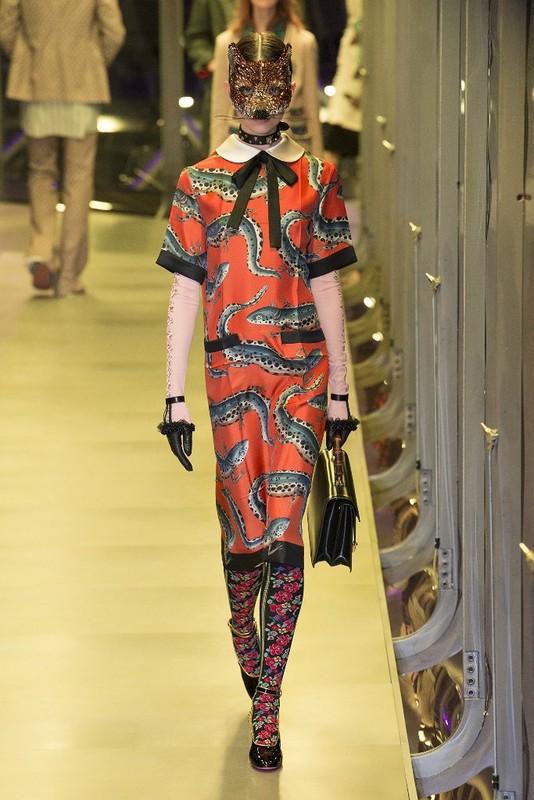 Модные костюмы 2017 из стильных коллекций для женщин